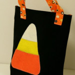 Halloween candy corn quilted bag
