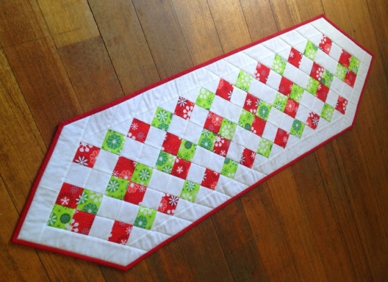 60 Easy Christmas Quilted Table Toppers Free Quilt Patterns Awesome Free Christmas Quilt Patterns